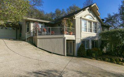 $349,000 – 15610 Jayhawk Drive